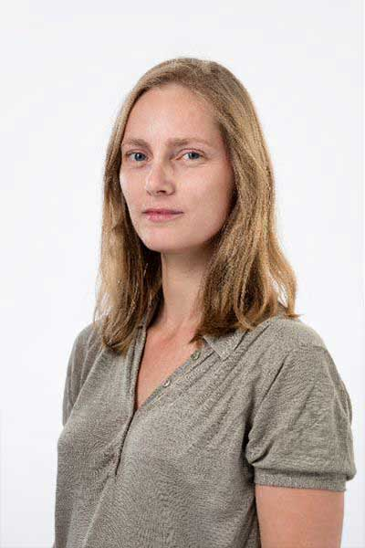 Potrait of Lynne van Rhijn